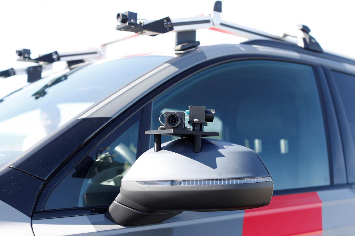 Samořiditelná Audi osázená senzory