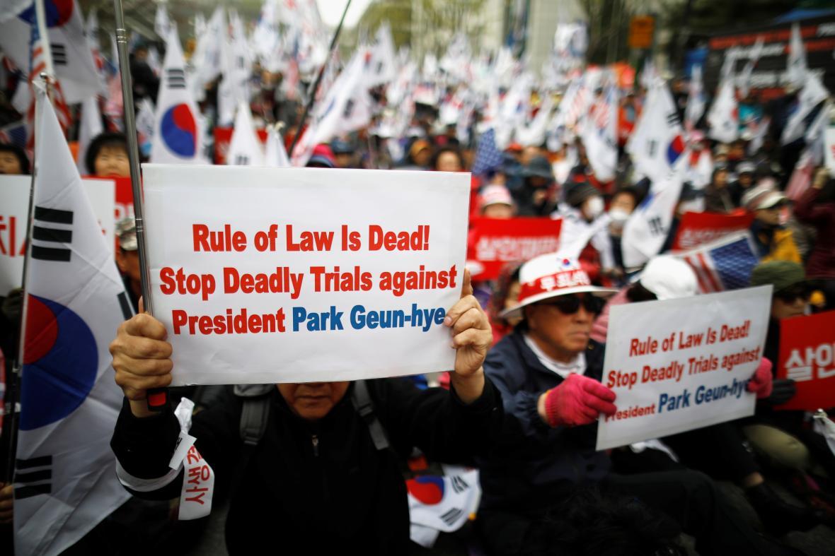 Protest podporovatelů exprezidentky Pak Kun-hje