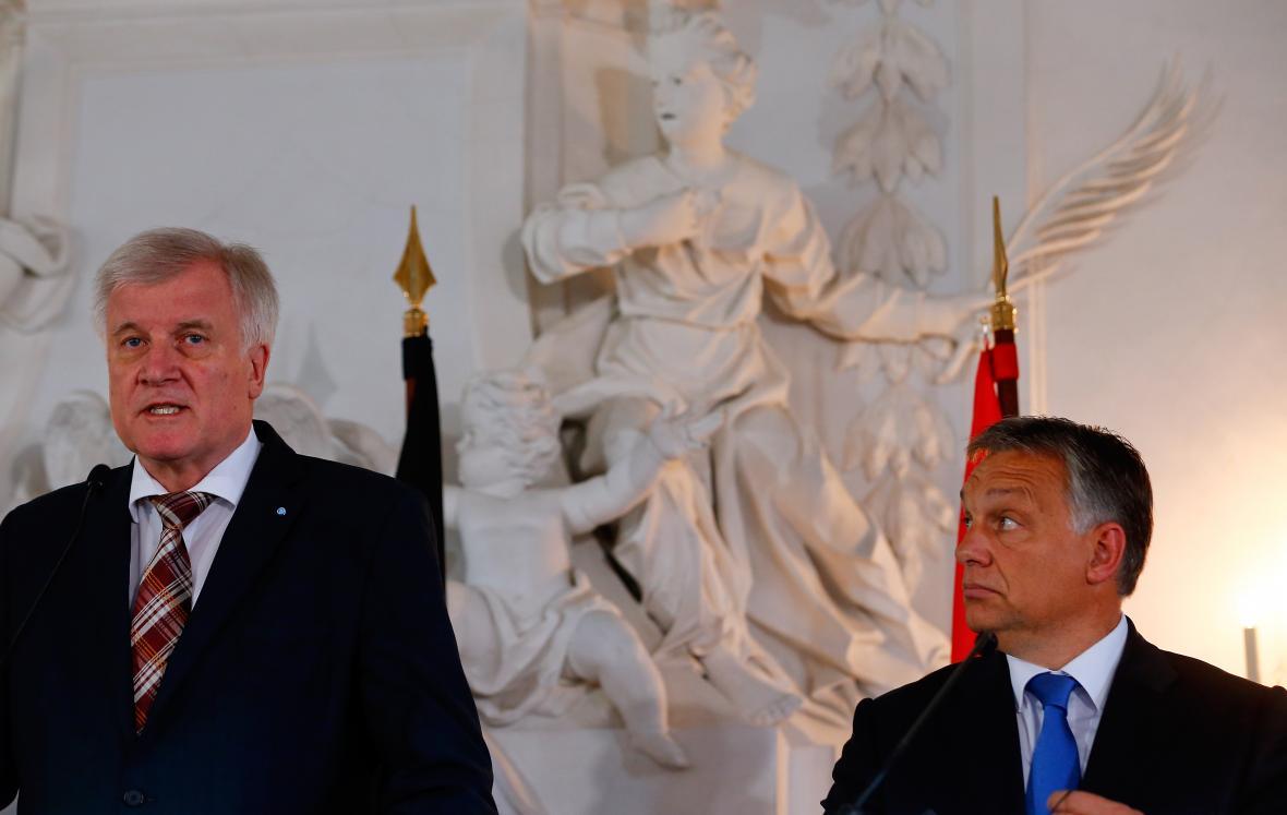 Orbán s tehdejším bavorským premiérem a šéfem CSU Seehoferem v Banzu