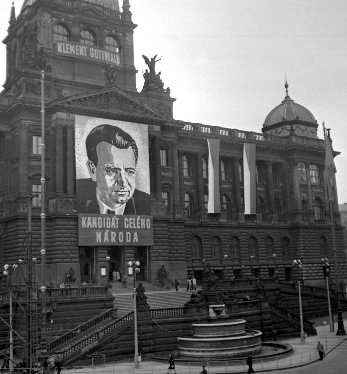 Výzdoba Národního muzea k volbám do Národního shromáždění (28.května 1948)