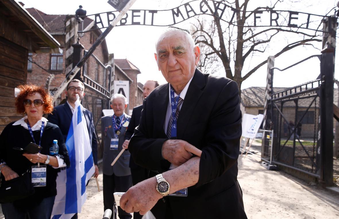 Jeden z přeživších koncentračního tábora Osvětim