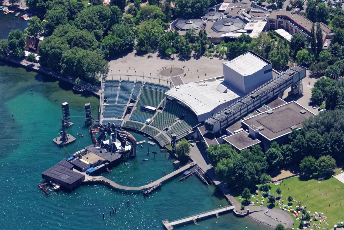 Jezerní scéna festivalu v Bregenz