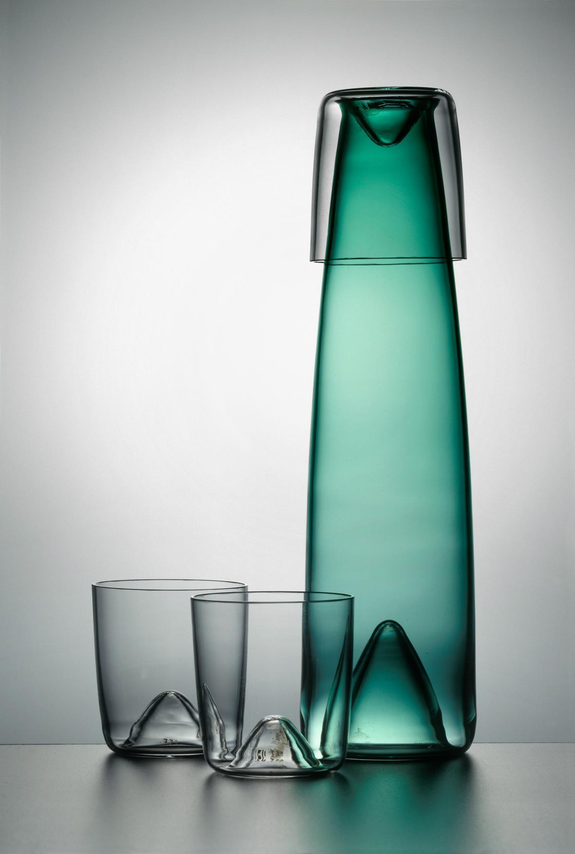 Karafa a sklenice od Adolfa Matury (Modernista)