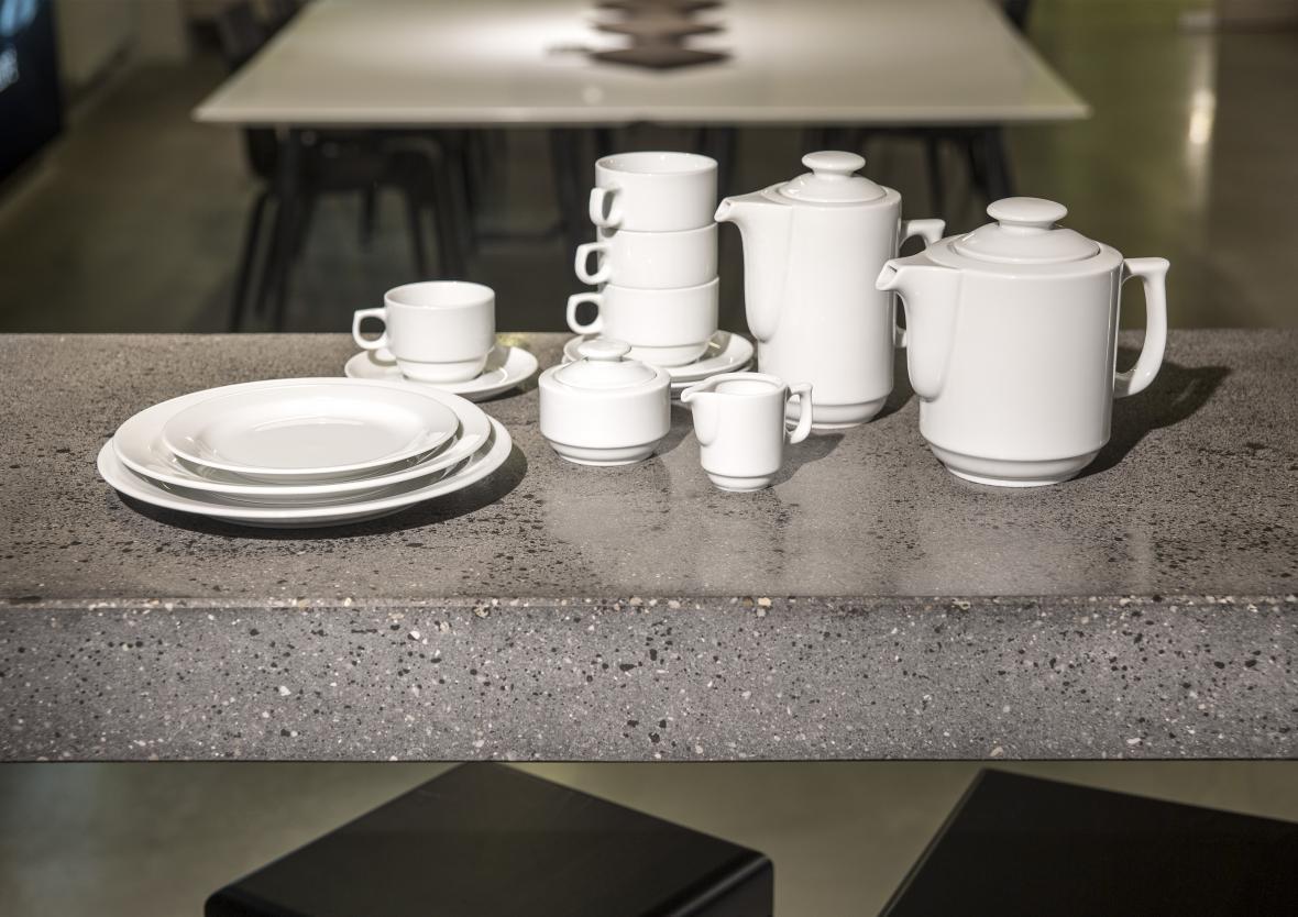 Porcelán (G. Benedikt)