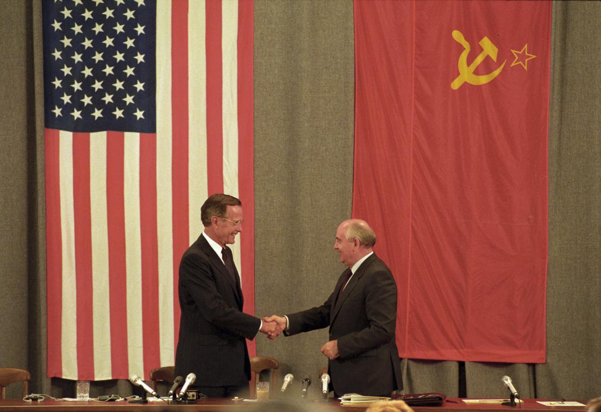 Bush a Gorbačov v Moskvě v červenci 1991