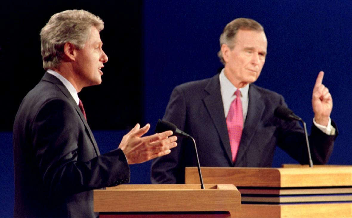 Clinton a Bush během předvolební debaty v říjnu 1992