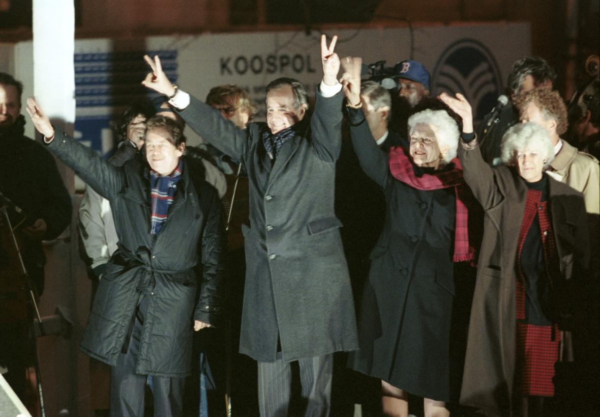 Americký prezident George Bush společně s Václavem Havlem v listopadu 1990 na Václavském náměstí