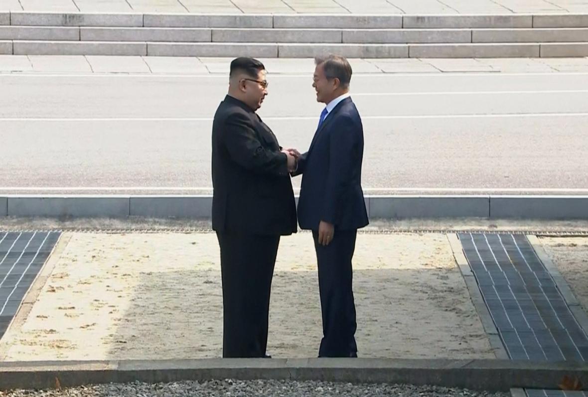 Historické setkání Kim Čong-una a Mun Če-ina