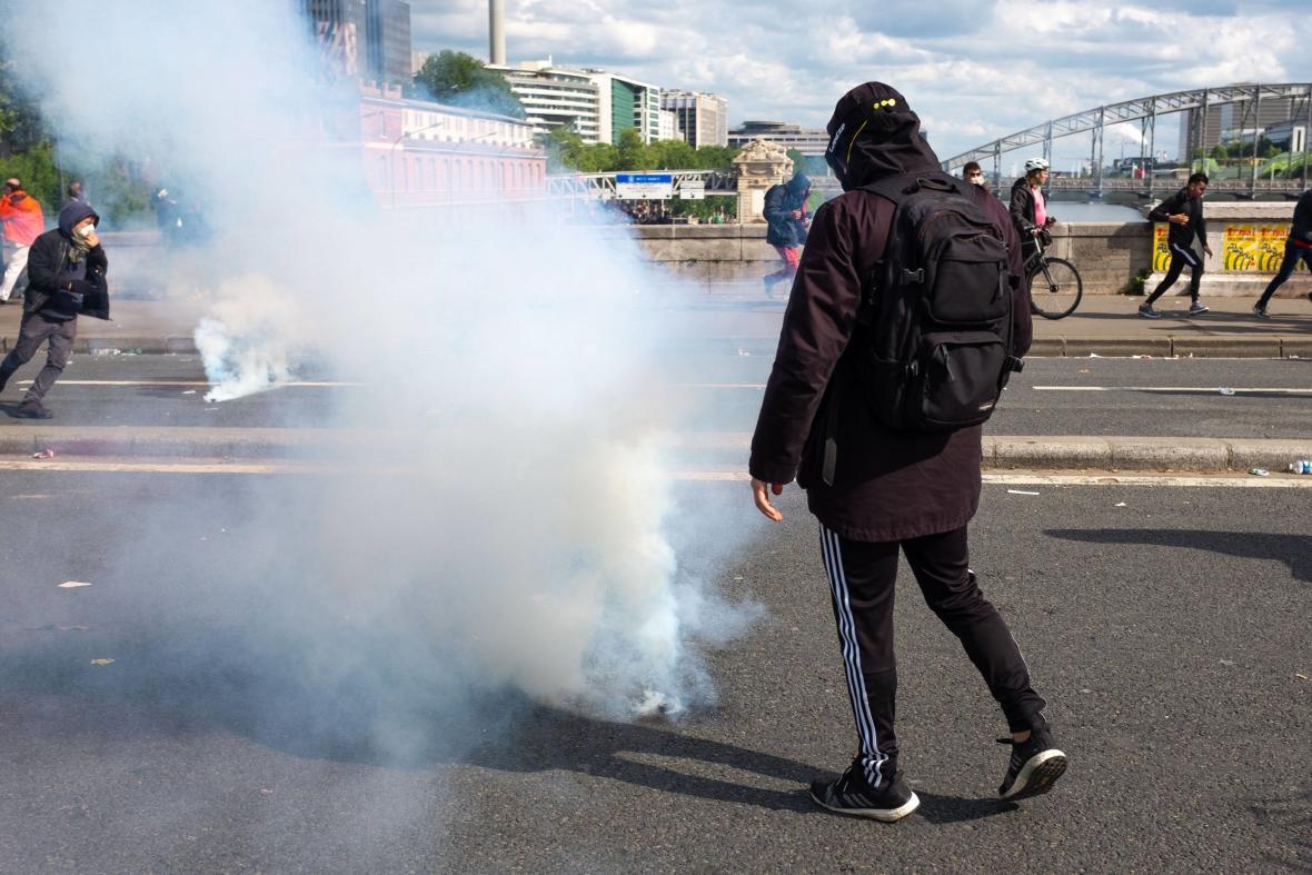 Protivládní protesty v Paříži (1. květen 2018)