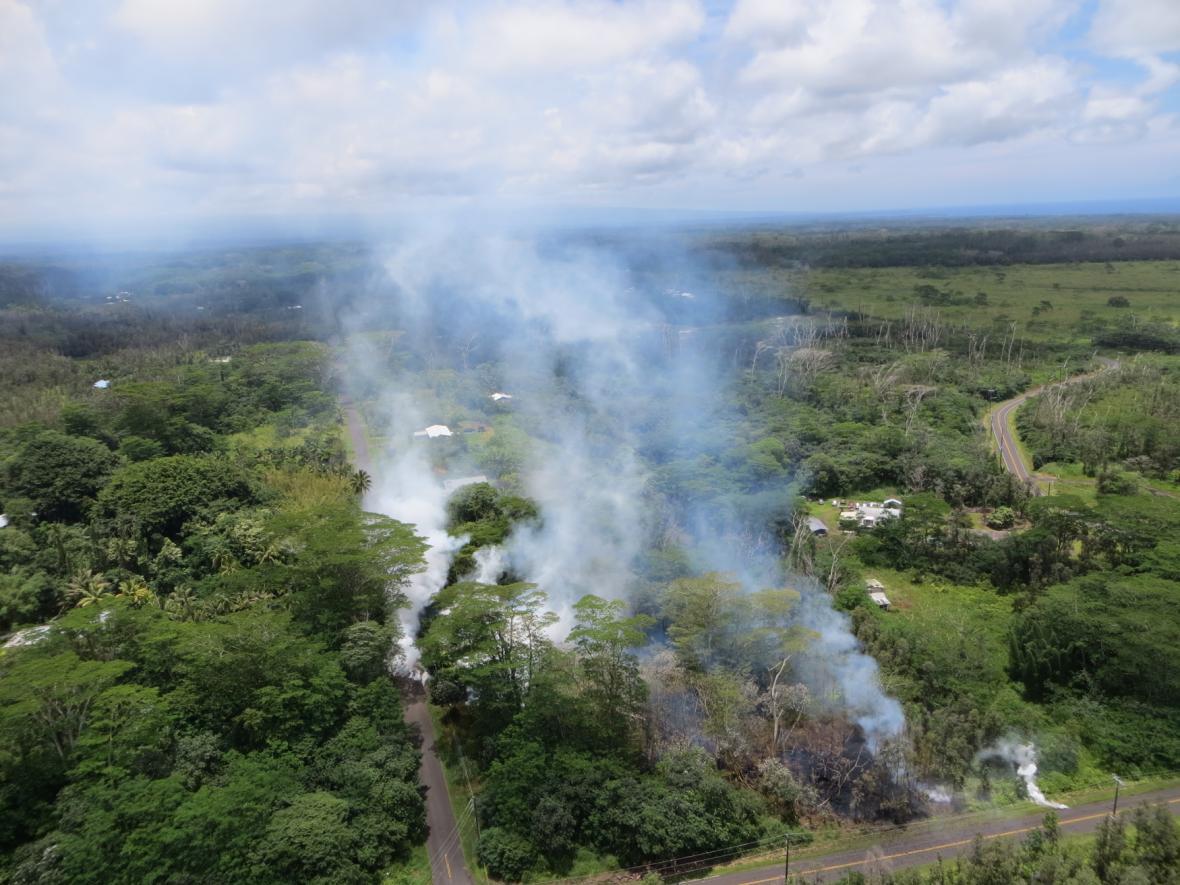 Kvůli erupci havajské sopky musely být evakuovány stovky lidí