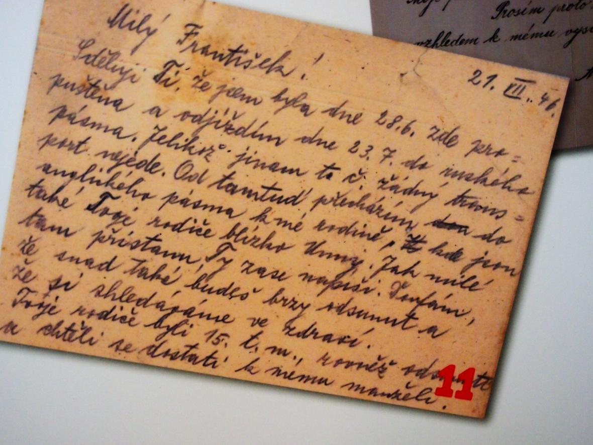 Dopis v češtině, ve kterém žena z Českopiska informuje svého bratra o odsunu původního obyvatelstva.