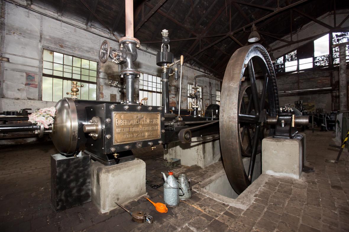 Plně funkční parní stroj z roku 1893 v dole Michal
