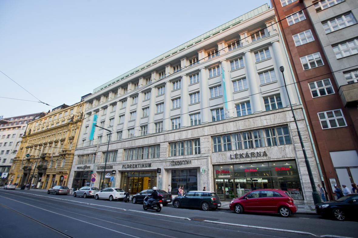 Budova v pražské ulici Na Poříčí 30
