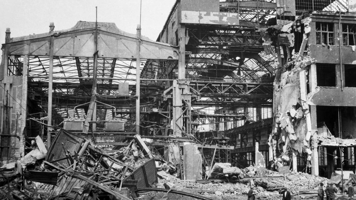 Škodovy závody v Plzni po bombardování