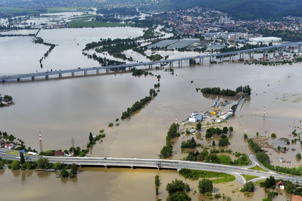 Soutok Vltavy a Berounky v pražských Lahovicích při povodních v roce 2013