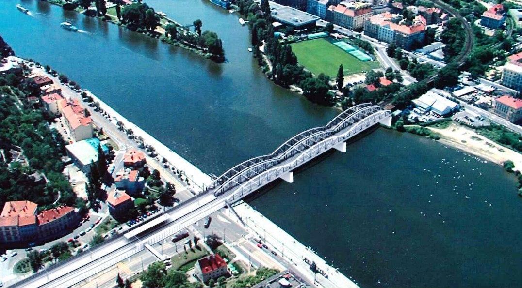 Původní plán z roku 2013 na výstavbu druhého železničního mostu vedle stávajícího