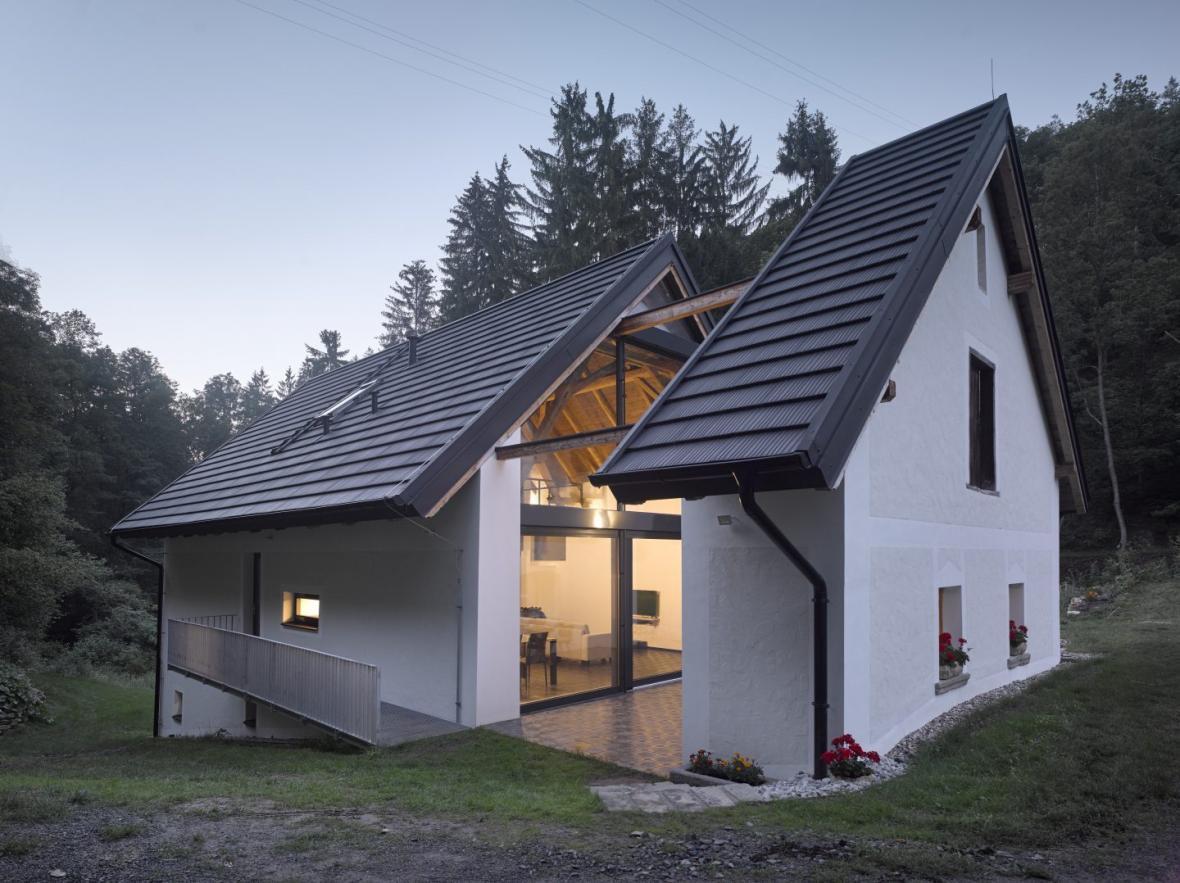 Rekonstrukce a přestavba mlýna na bydlení (Stempel & Tesař architekti)