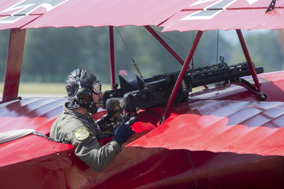 V Pardubicích začala letecká přehlídka Aviatická pouť. Tématem letošního 28. ročníku je výročí 100 let od vzniku Československa.