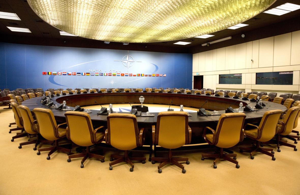 Room 1 ve starém sídle NATO