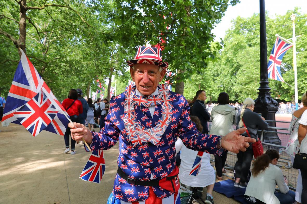 Británie slaví královniny narozeniny