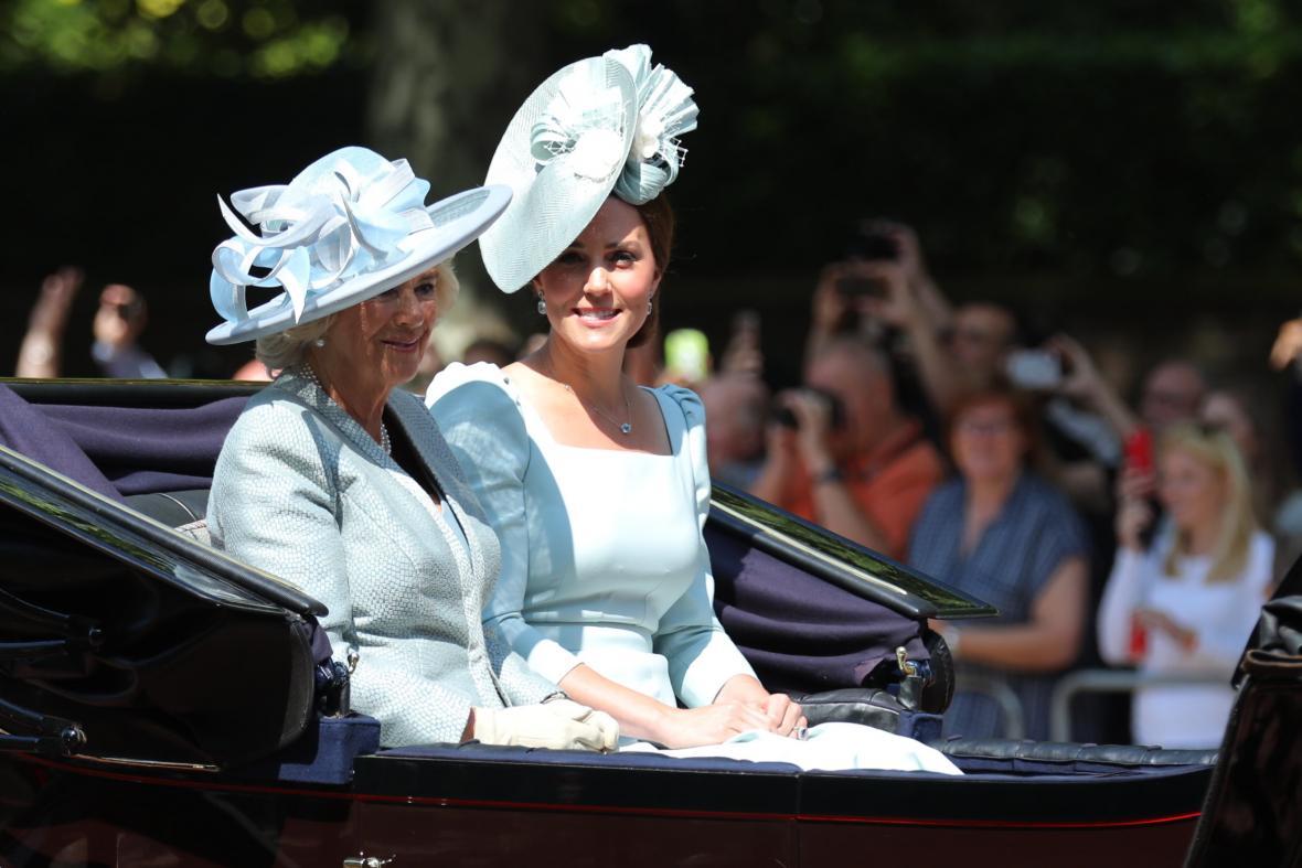 Charlesova manželka Camilla s vévodkyní Kate