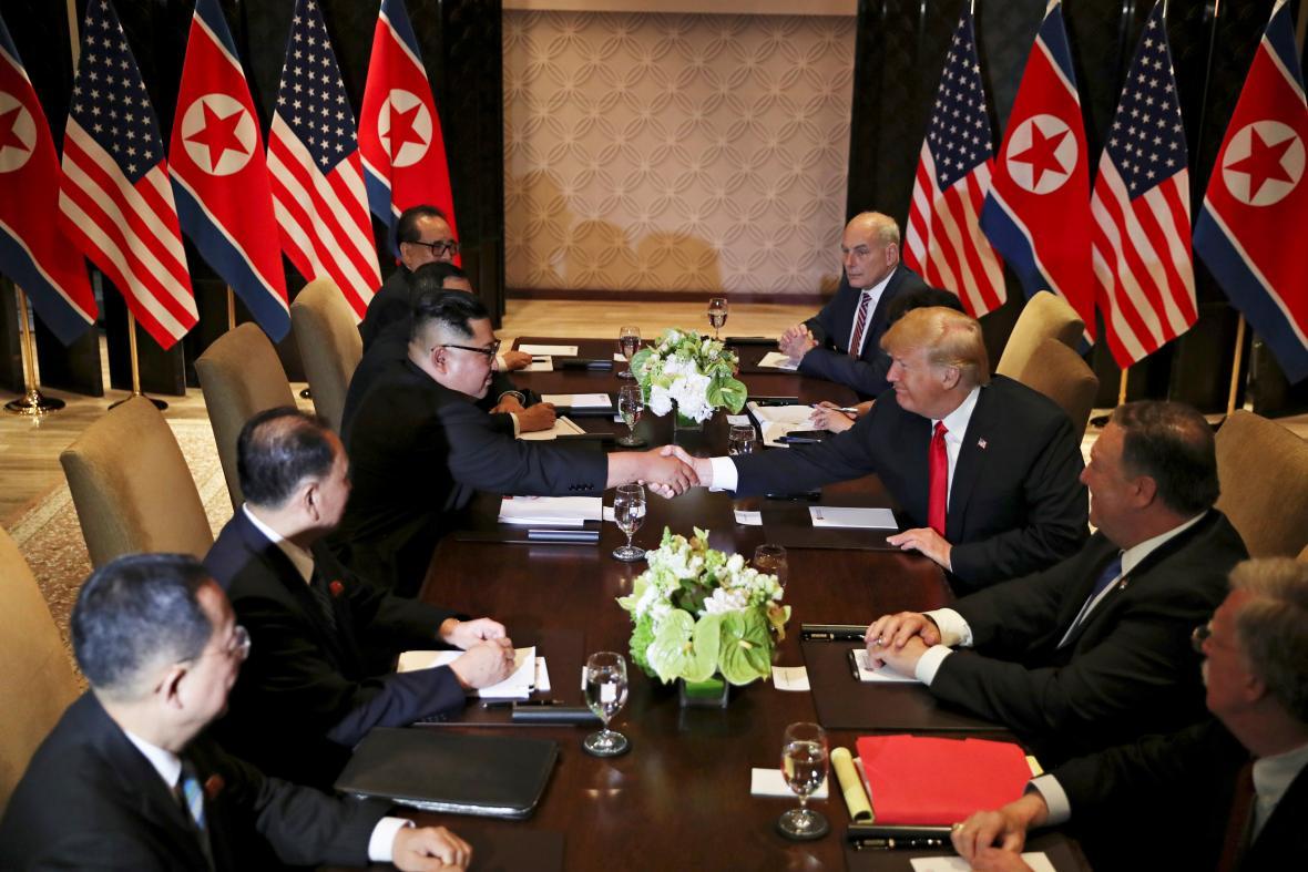 Jednání americké a severokorejské delegace