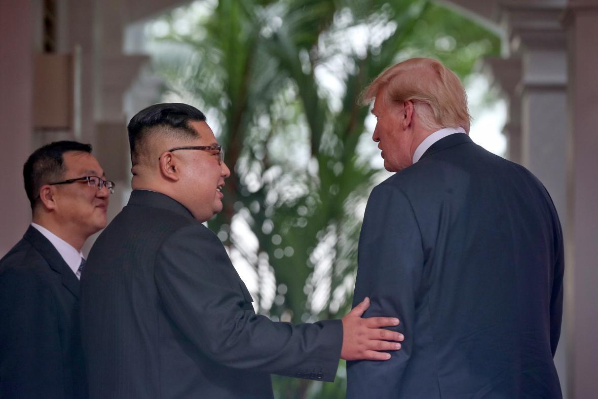 Kim Čong-un s Donaldem Trumpem v Singapuru