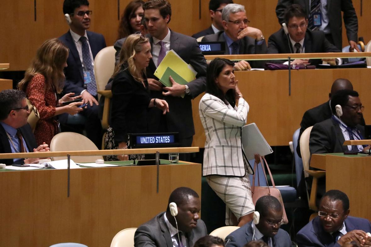Nikky Haleyová během zasedání Valného shromáždění