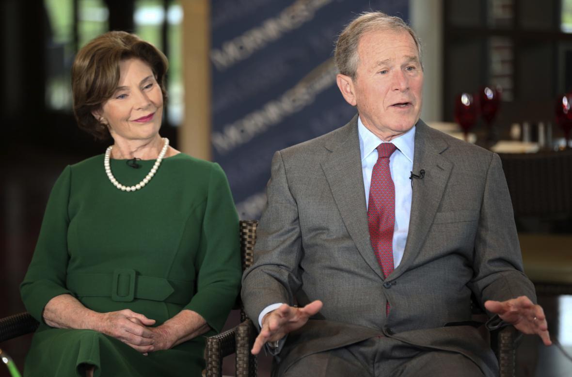 Někdejší první americký pár George a Laura Bushovi