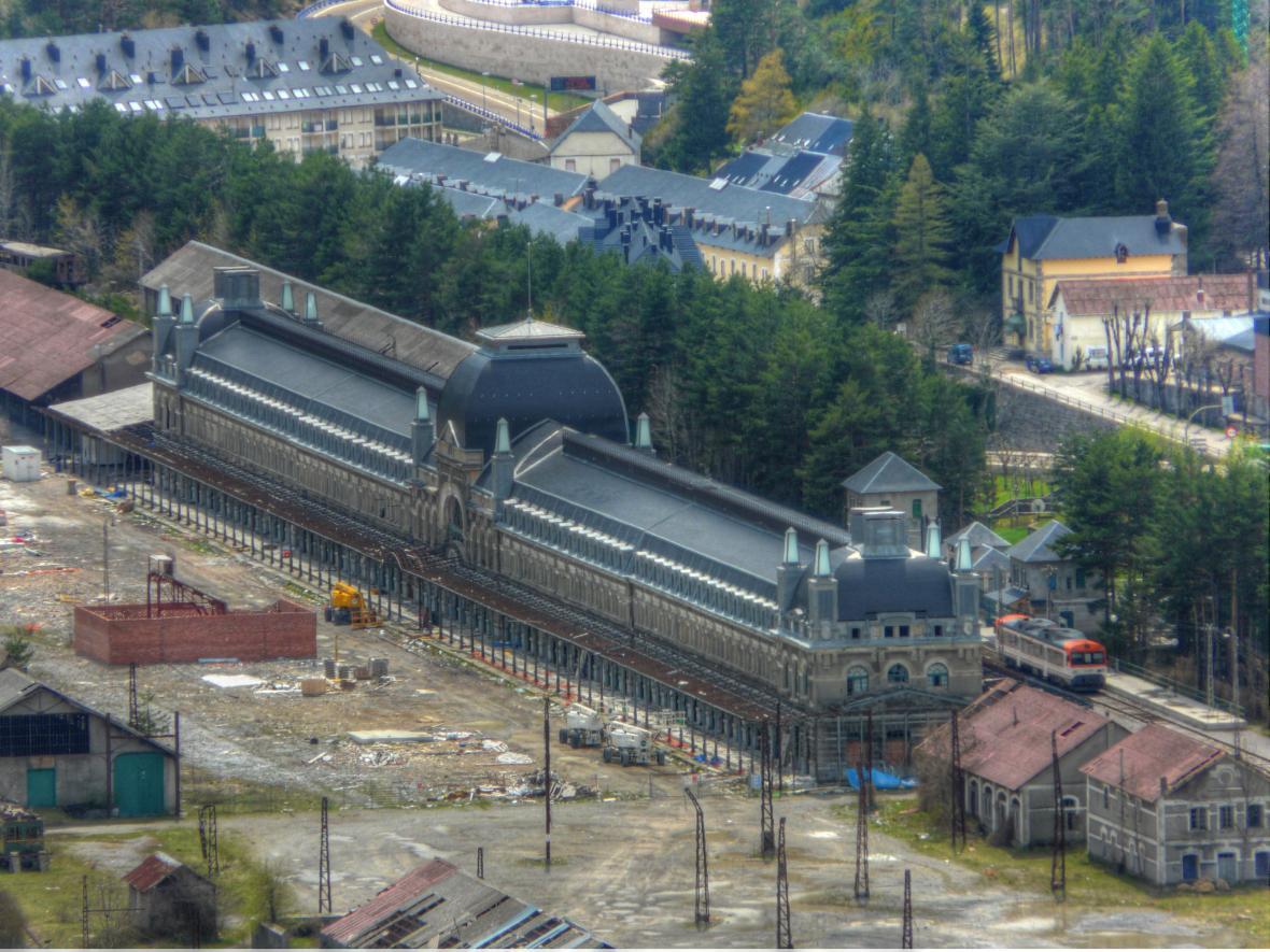 Canfranské nádraží