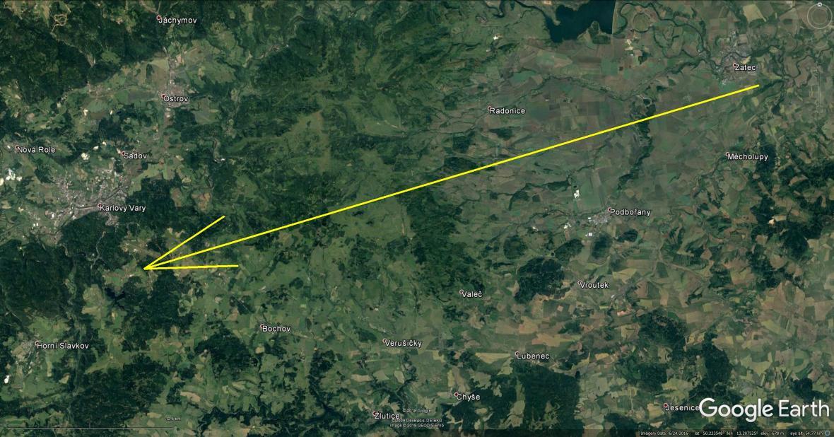 Dráha bolidu: Skutečná délka vyfotografované atmosférické dráhy je 77 km a bolid jí uletěl přibližně za 6 s