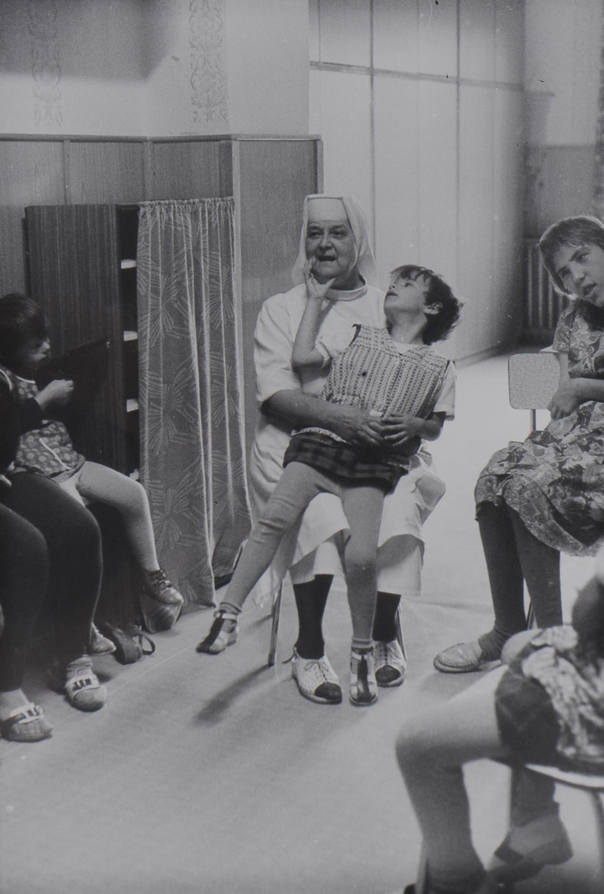 Bez názvu, z cyklu Vztah k dětem, Horní Poustevna, 1983