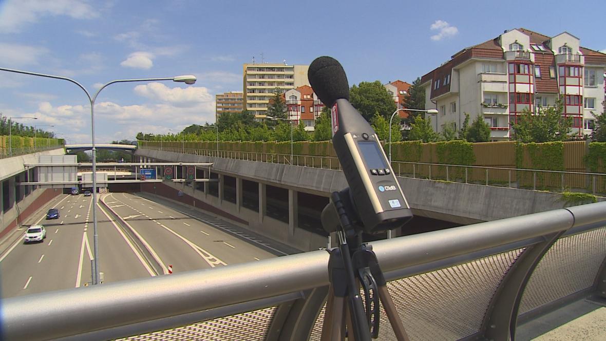 Měření hluku u Královopolského tunelu v Brně
