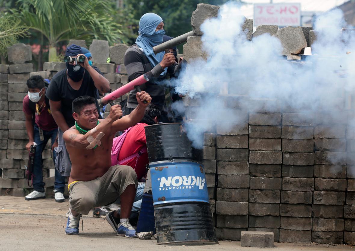 Pouliční boje v Nikaragui