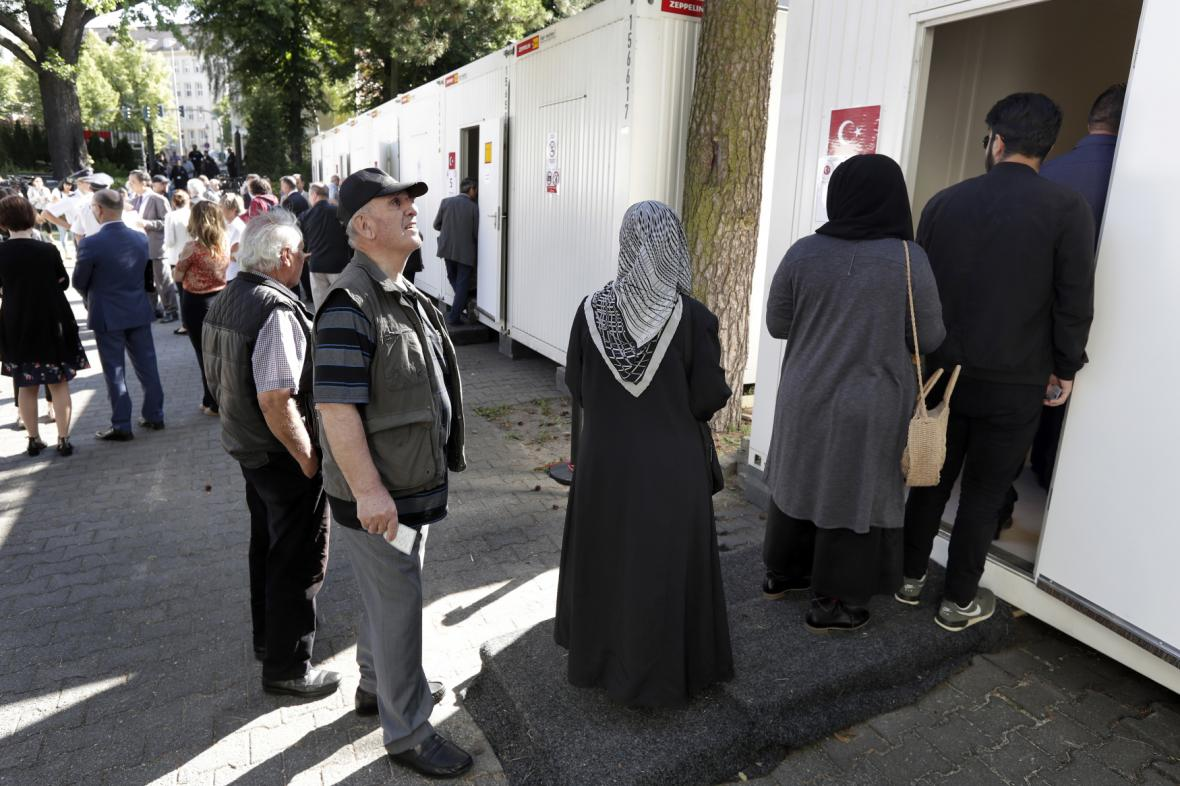 Turci volí v Německu
