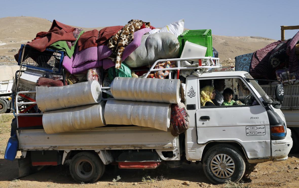 Syrští uprchlíci se vracejí z Libanonu domu