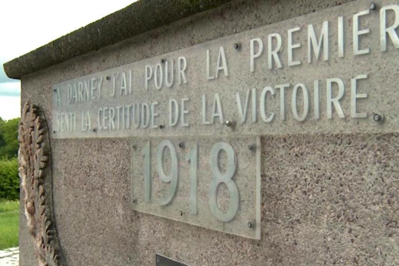 Památník v Darney