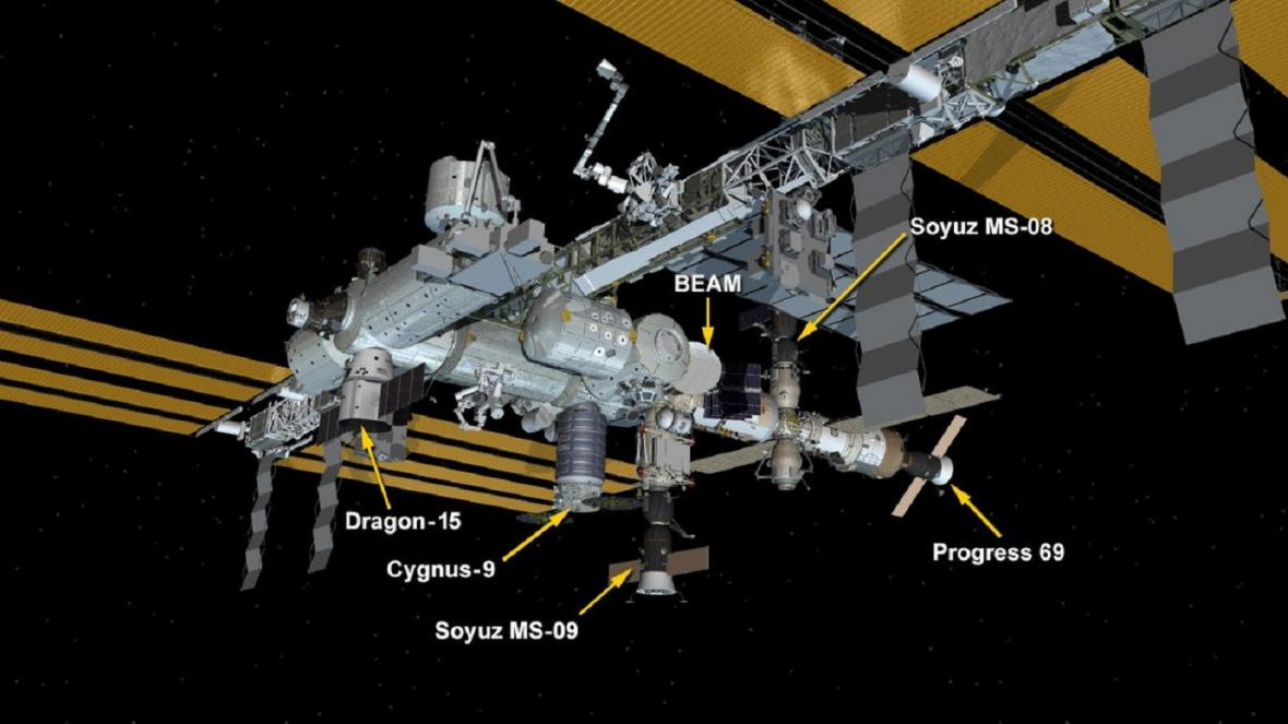 Kde u ISS kotví Dragon