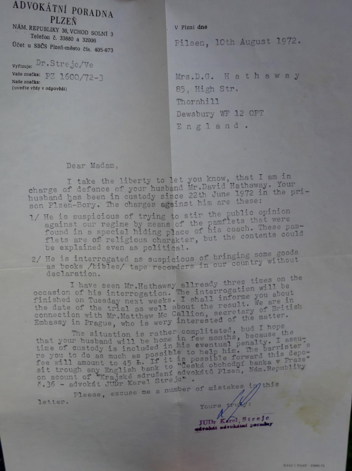 Dopis Hathawayova advokáta kazatelově ženě