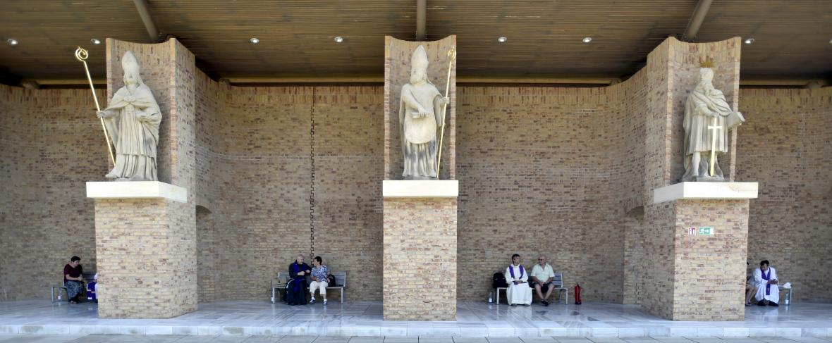 Zpovědi věřících během velehradských oslav příchodu verozvěstů Cyrila a Metoděje
