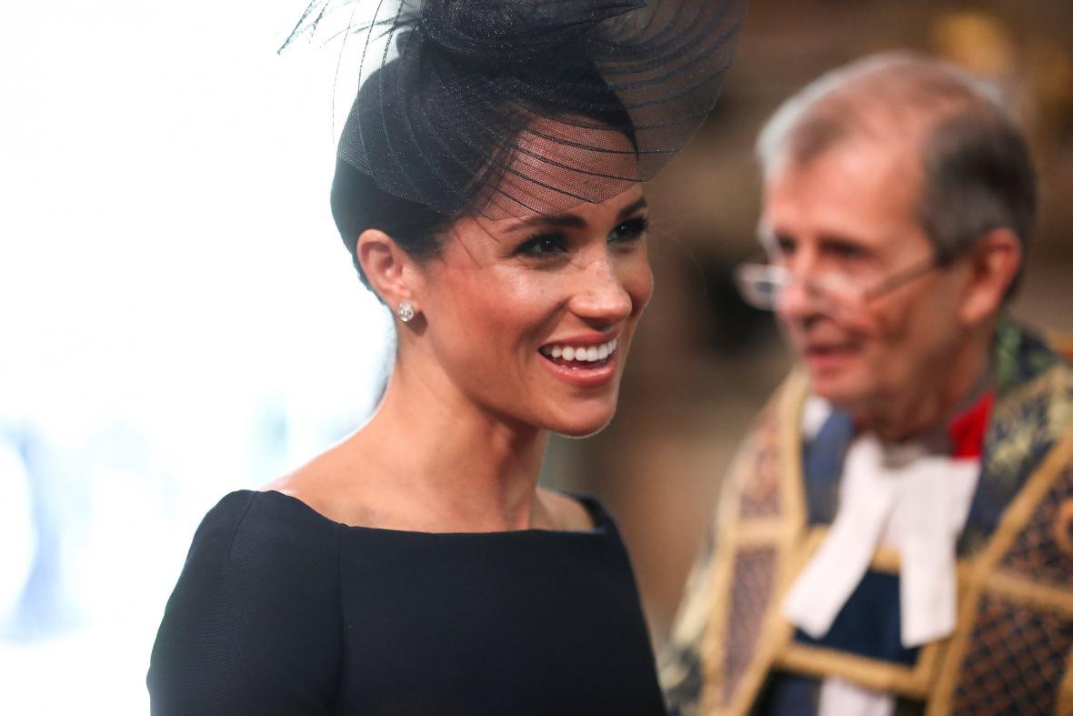 Přehlídku sledovala také vévodkyně Meghan