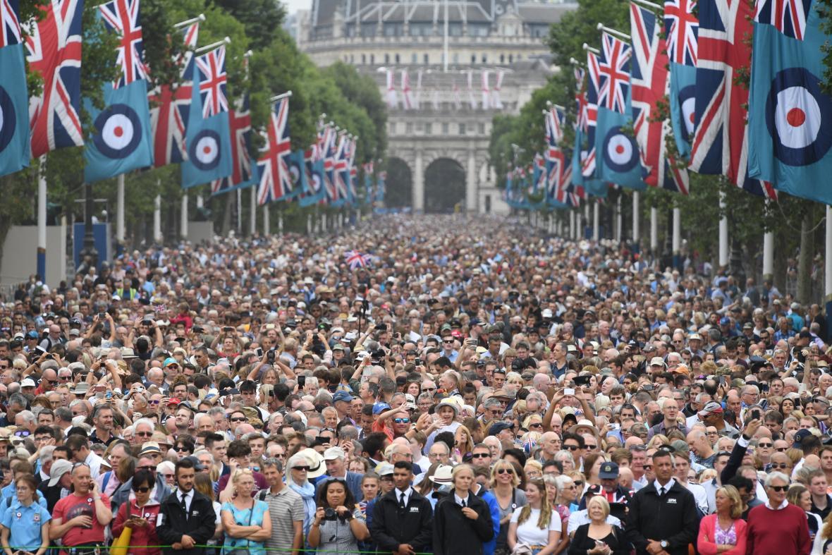 Oslavy sto let RAF