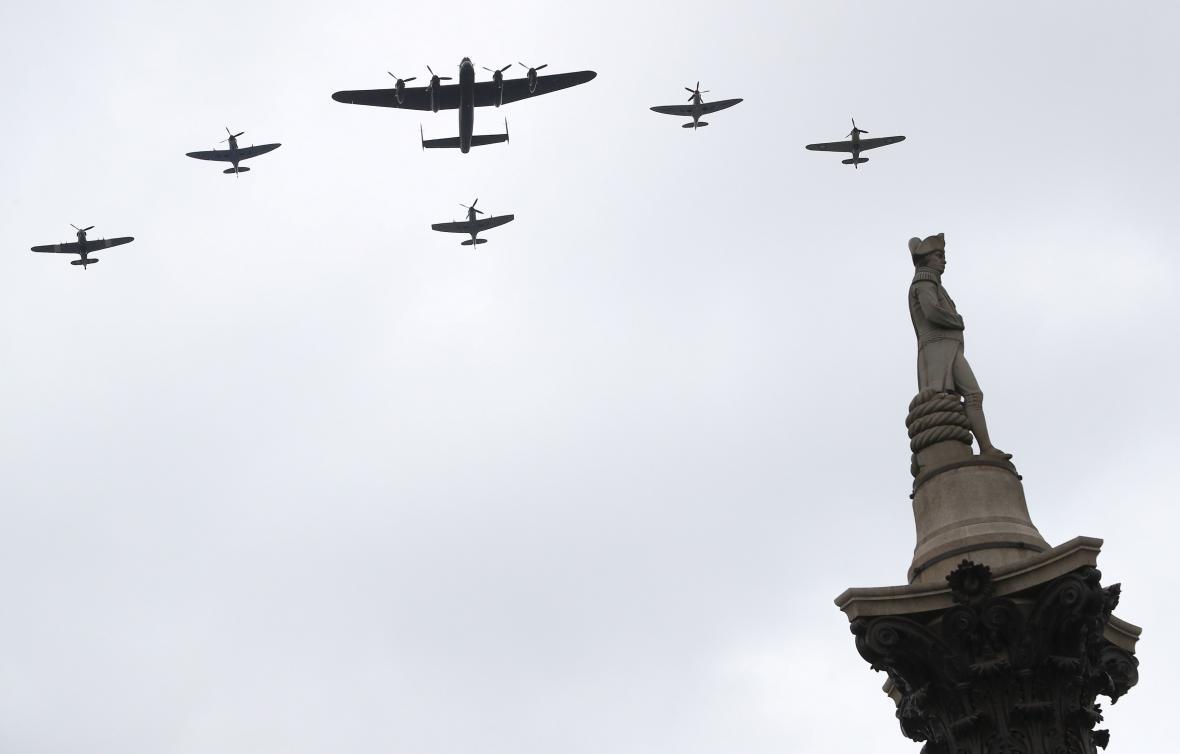 Přelet letounů nad Trafalgarem
