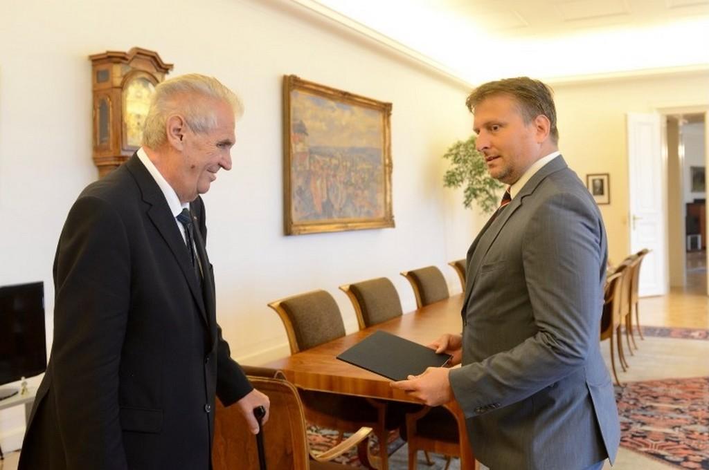 Prezident jmenoval Jana Kněžínka ministrem spravedlnosti