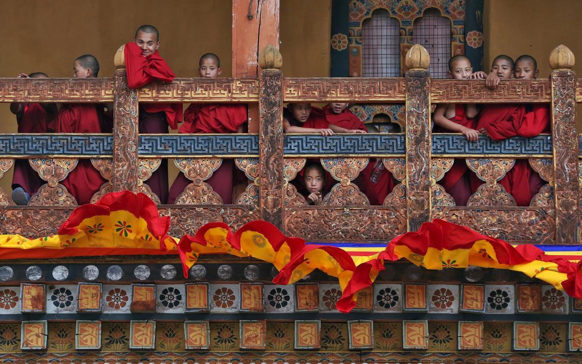Mladí mniši v Bhútánu