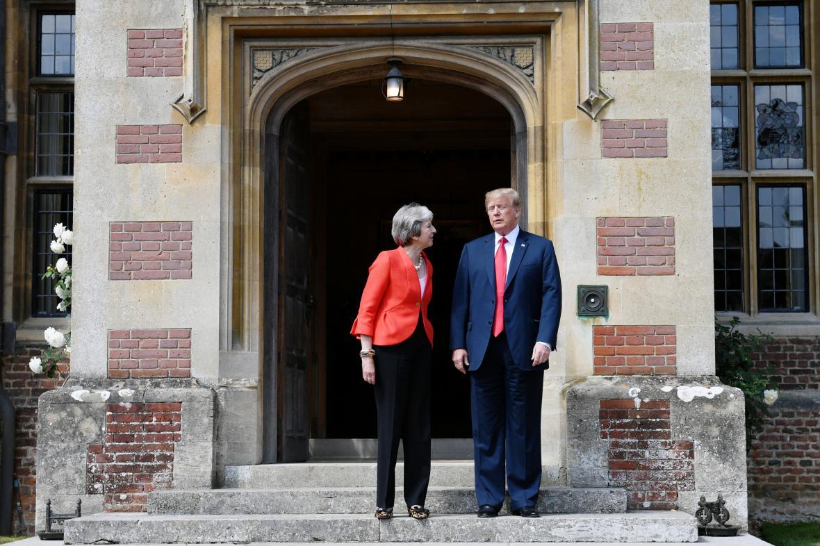 Setkání Theresy Mayové s Donaldem Trumpem v Chequers
