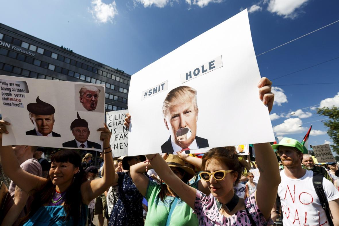 Demonstrace v Helsinkách proti Trumpovi