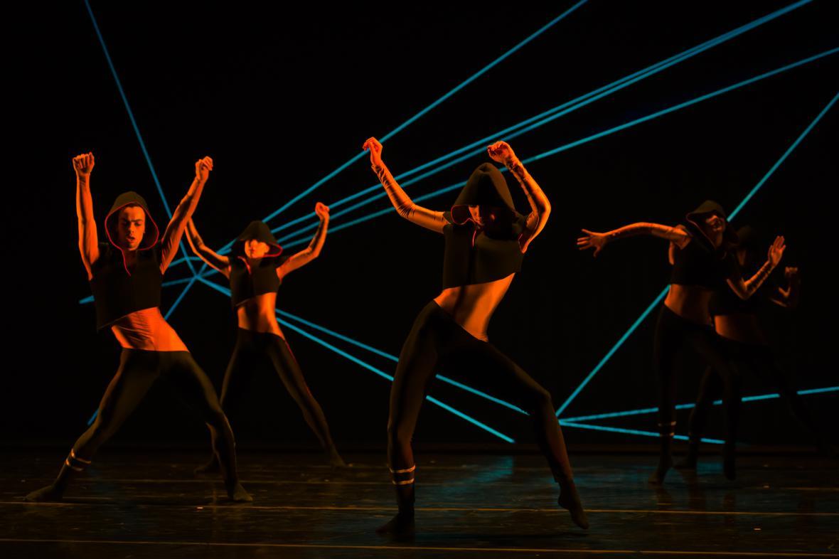 Večer mladých choreografů: Corps2 (choreografie: Stéphane Aubry)