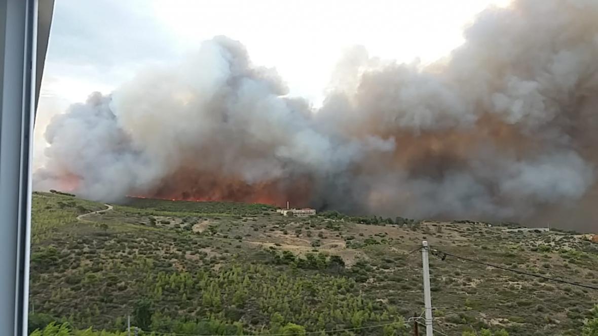 Požár nedaleko Atén