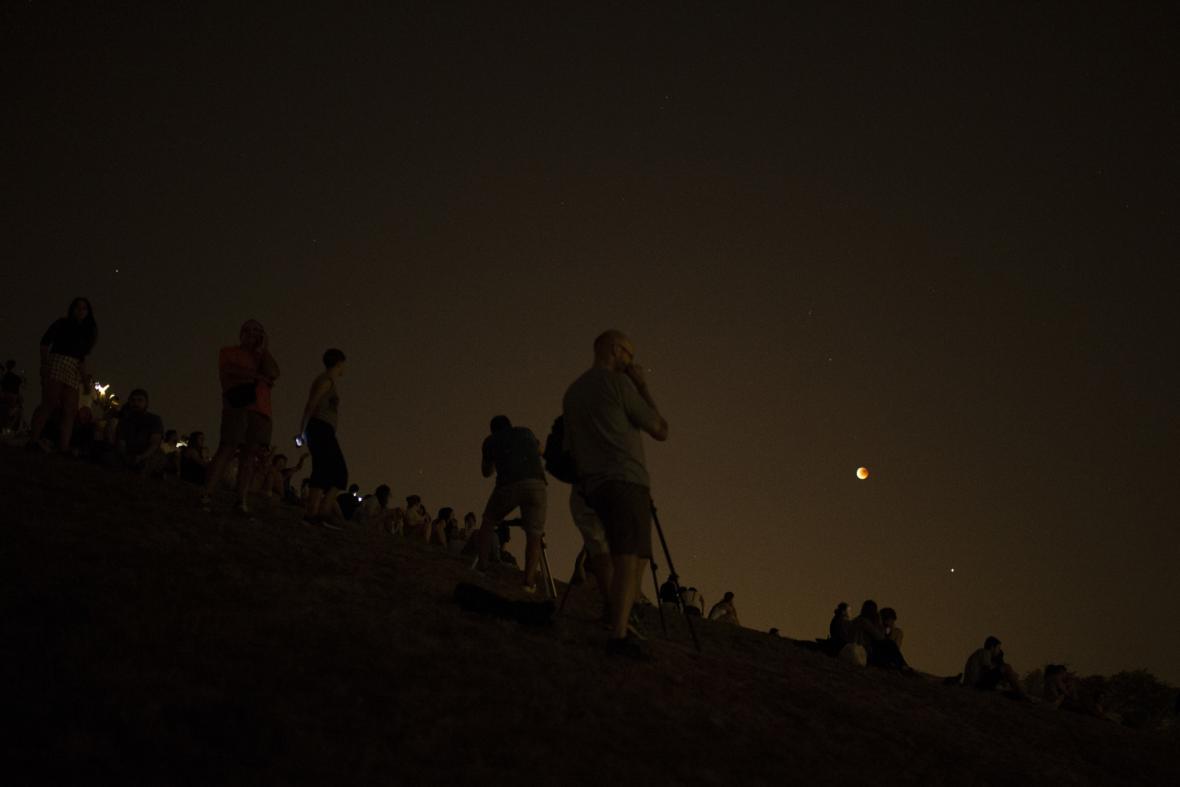 Zatmění Měsíce nad Španělskem